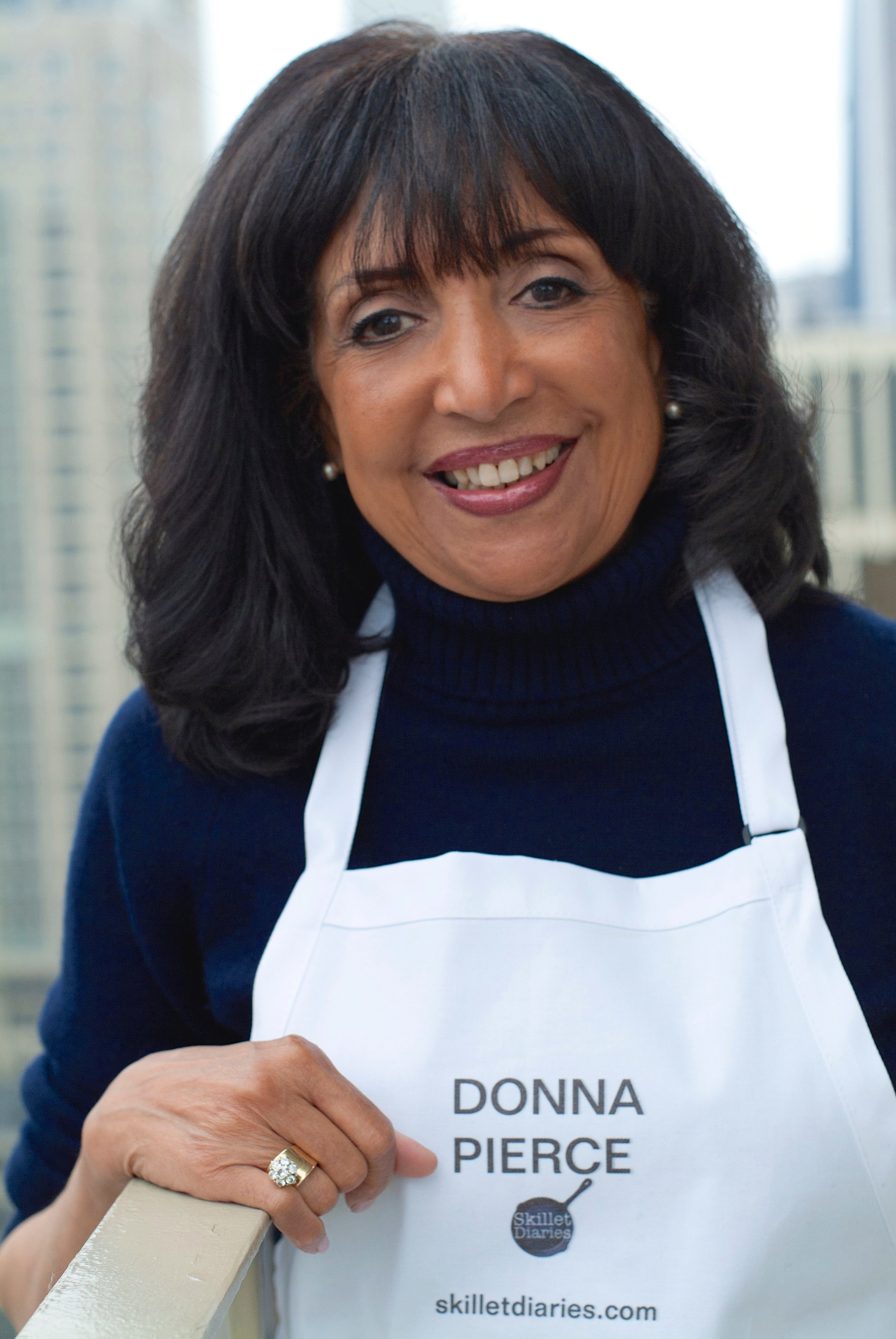 Donna Battle Pierce Headshot.jpg