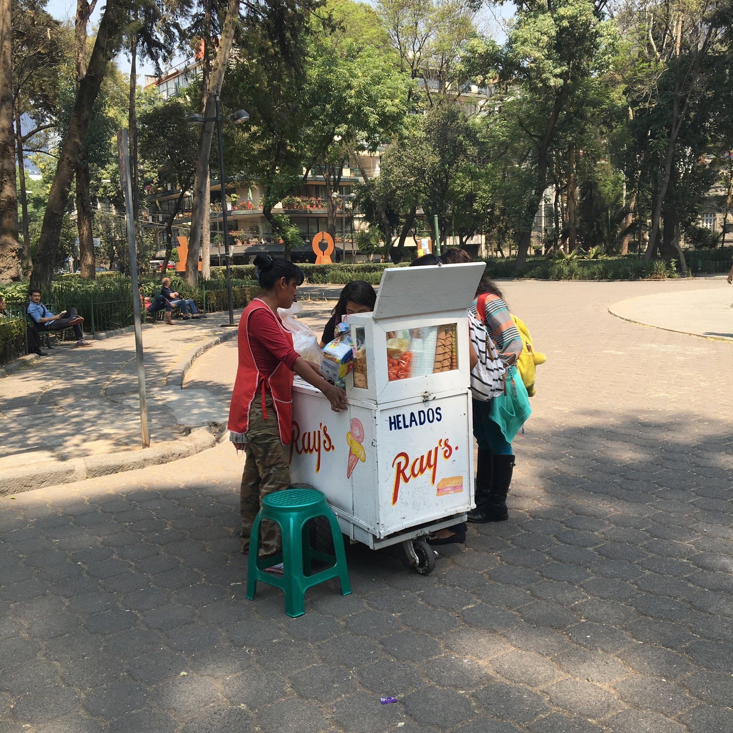 Ice Cream Vendor / Plaza Rio de Janeiro, Mexico City / ©2016 Melody Jean Moulton