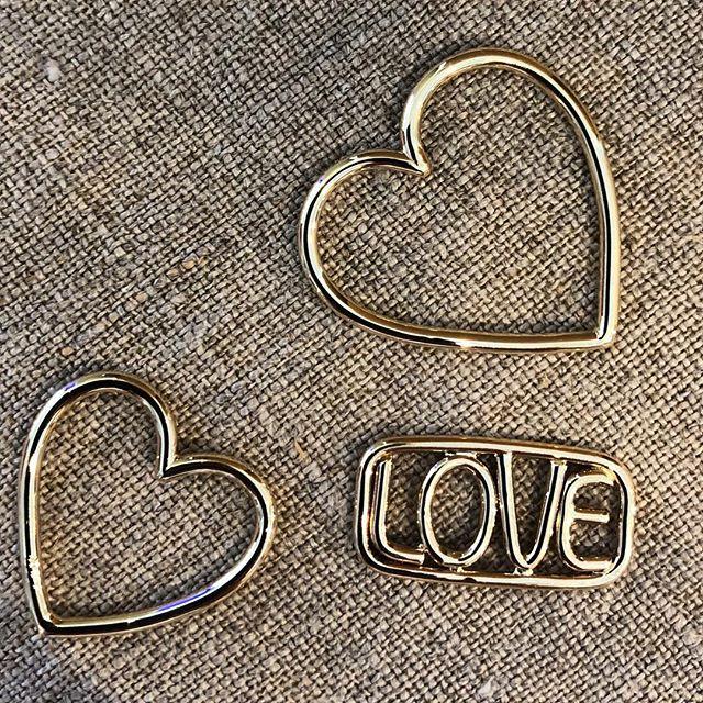 LOVE is good ❤️ www.dans-la-main.com