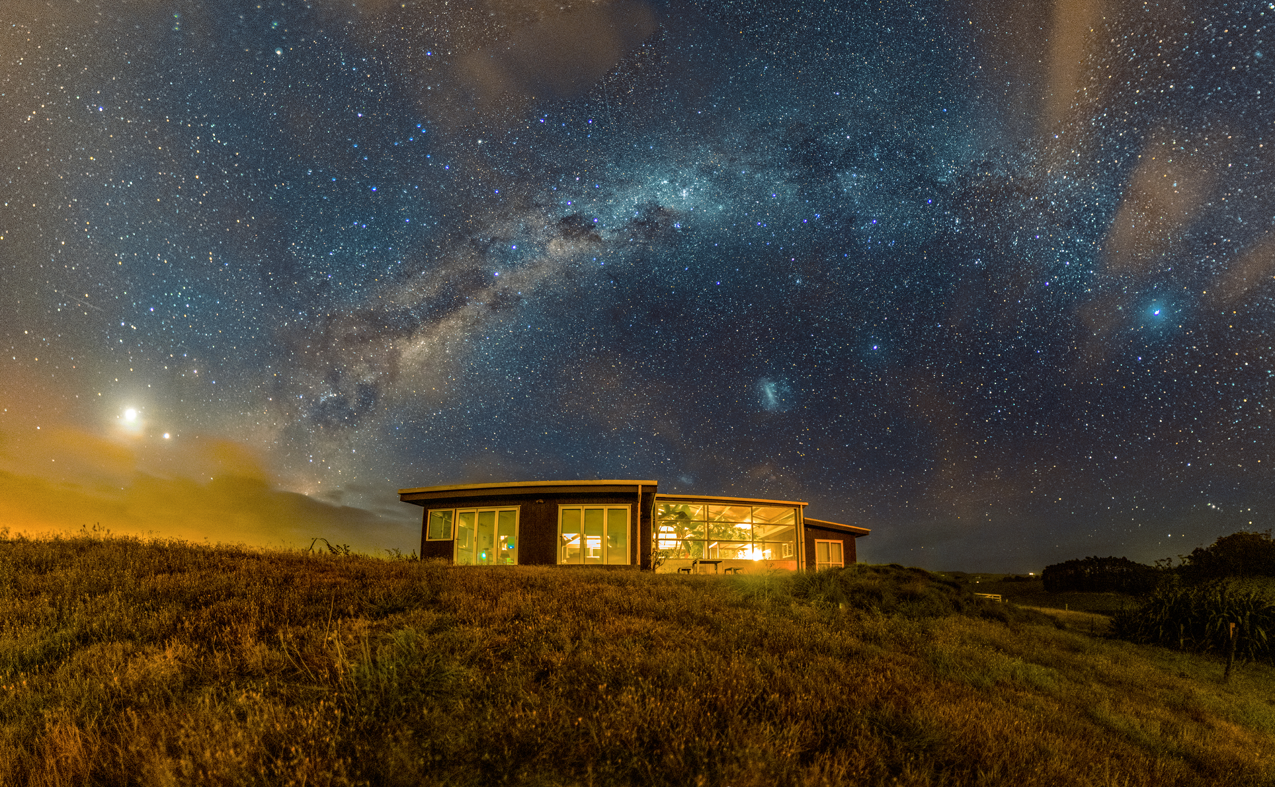Astro - The workshop is during the New Moon. If the skies are clear we'll work on some astro photography with splendid views right outside the Glass Barn. You'll learn how to plan your shoot, camera settings, stitching, grading and posting.