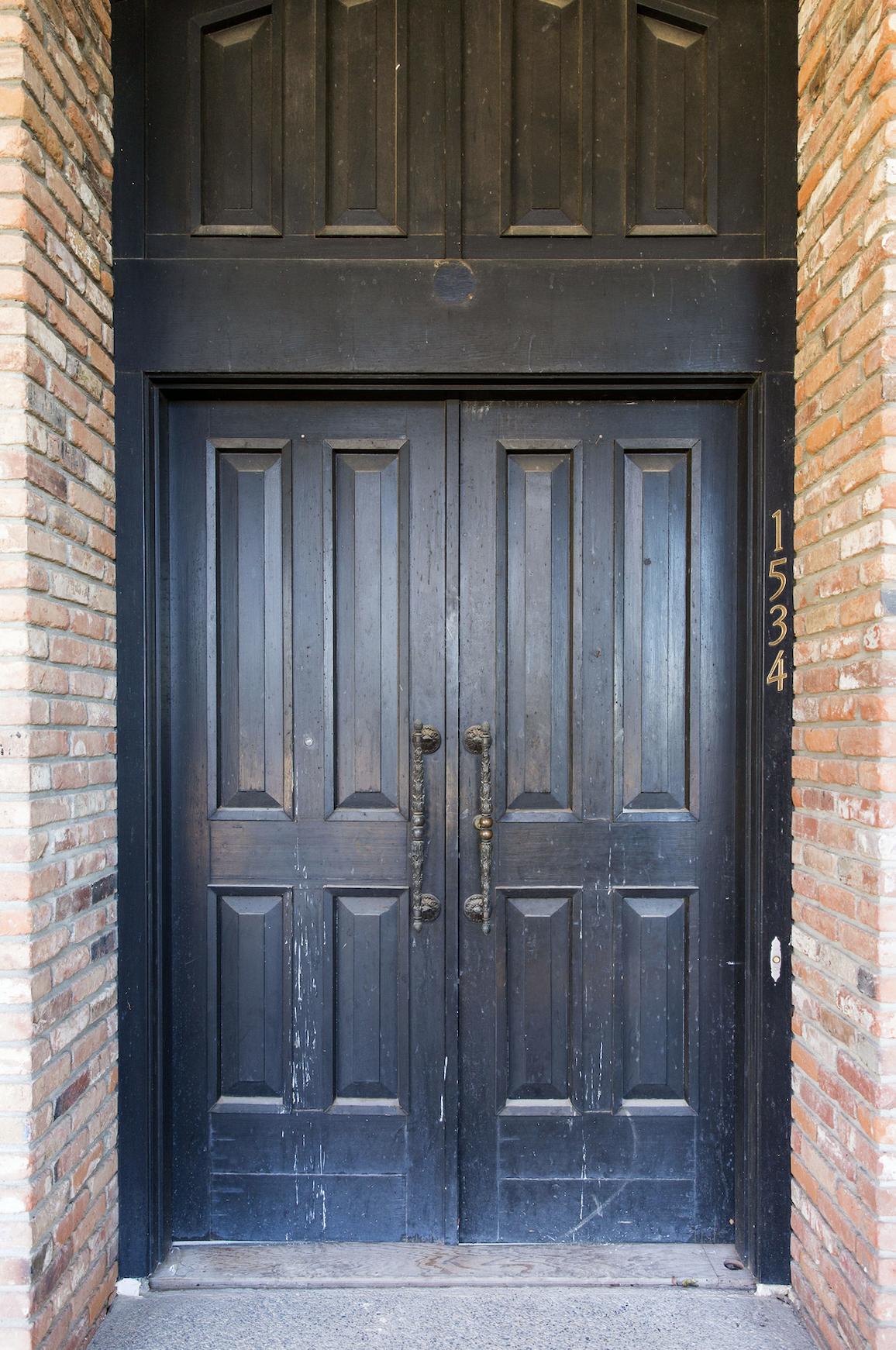 1960'S ORIGINAL FRONT DOOR & BRICK COLUMNS