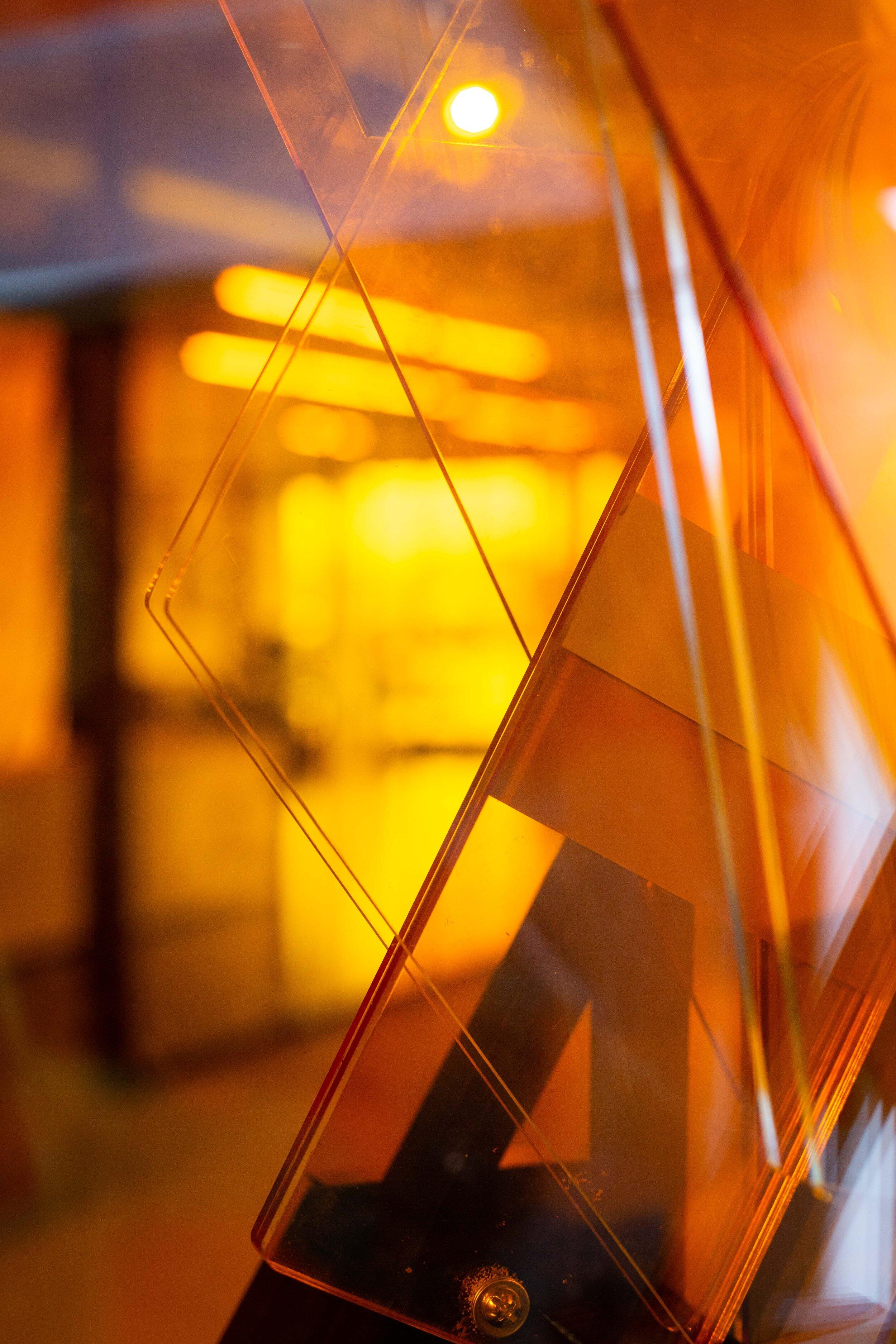 DiaPositiva Girada_amber diamonds.jpg