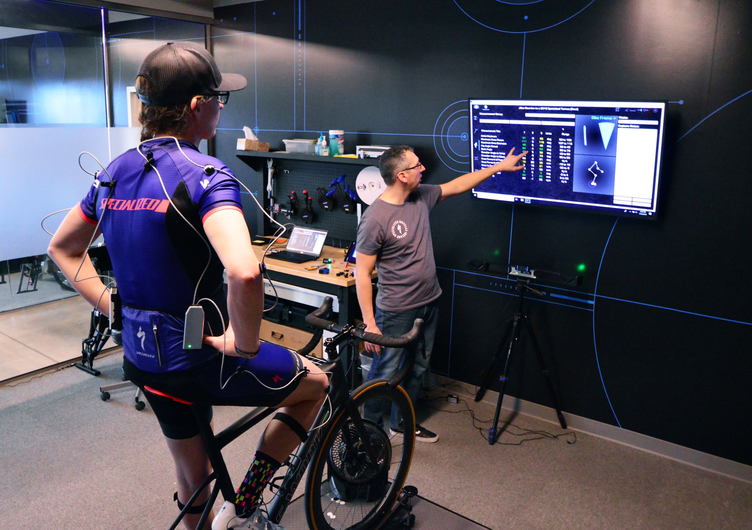 Williams explaining the Retül bike fit data and how it is validating the changes made to the bike.