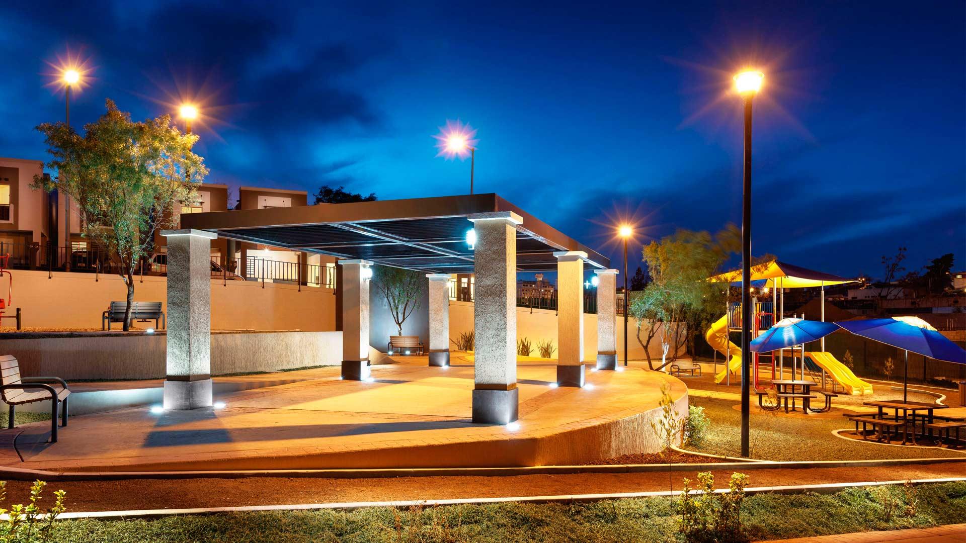 Lisboa-Residencial-area-reunion-de-noche-1.jpg
