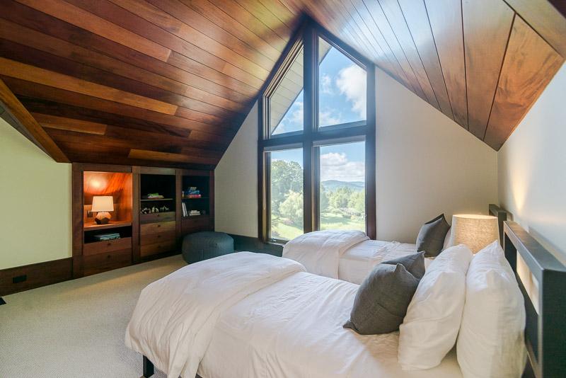eastaway-bedroom_web.jpg