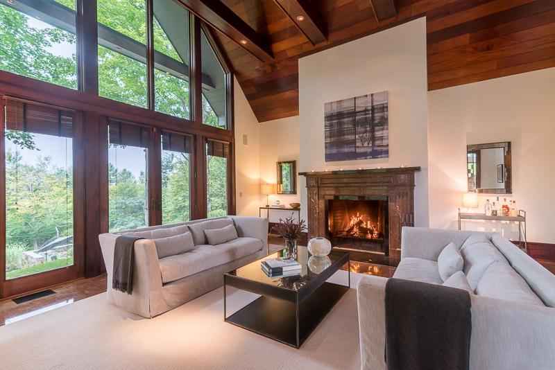 eastaway-guest house living room_web.jpg
