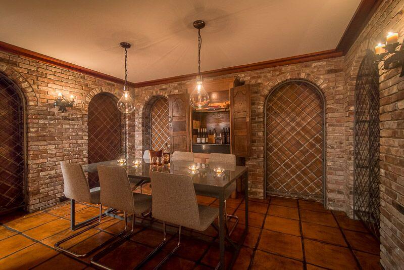 Wineroom.jpg
