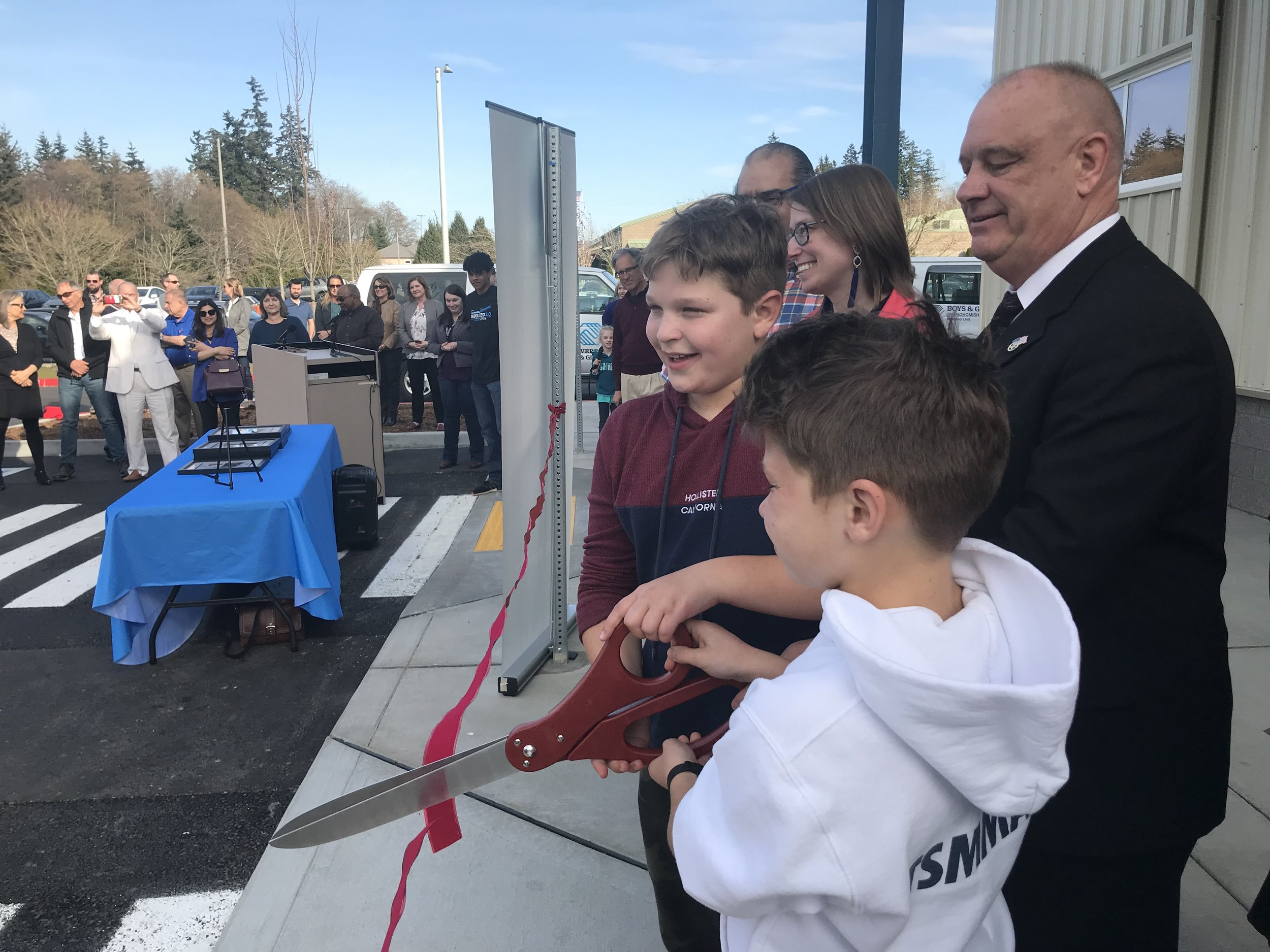 Max and Daniel got to cut the ribbon
