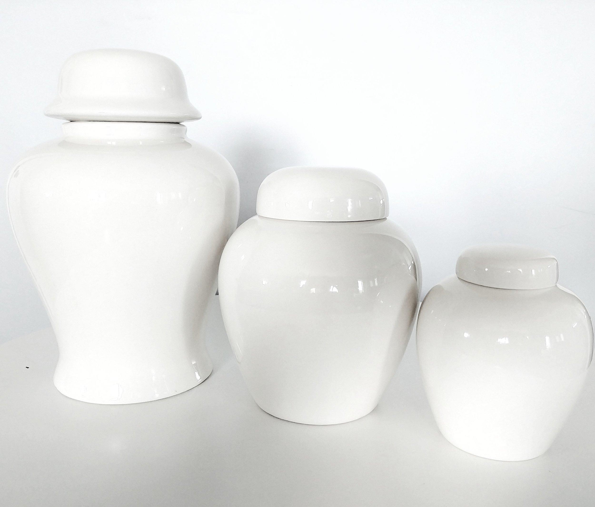 White Ceramic Urn - S(0-30Lbs)  $45M(31-65Lbs)  $65L(66-120Lbs)  $85