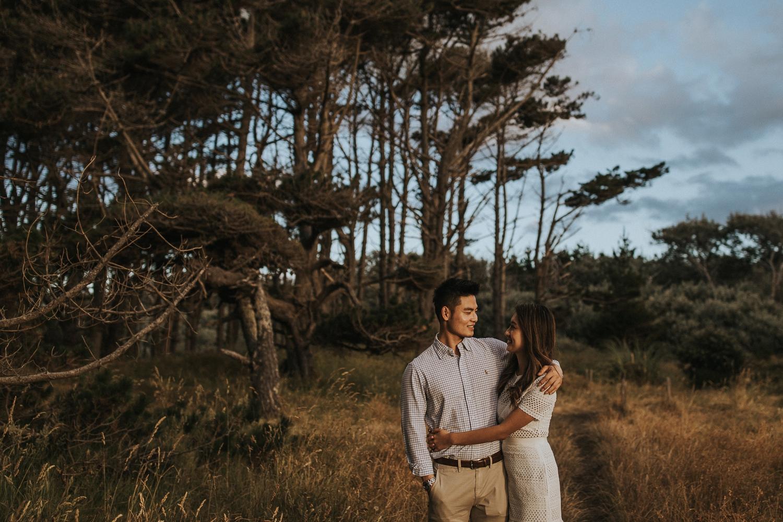 Muriwai Engagement photographer-6.jpg