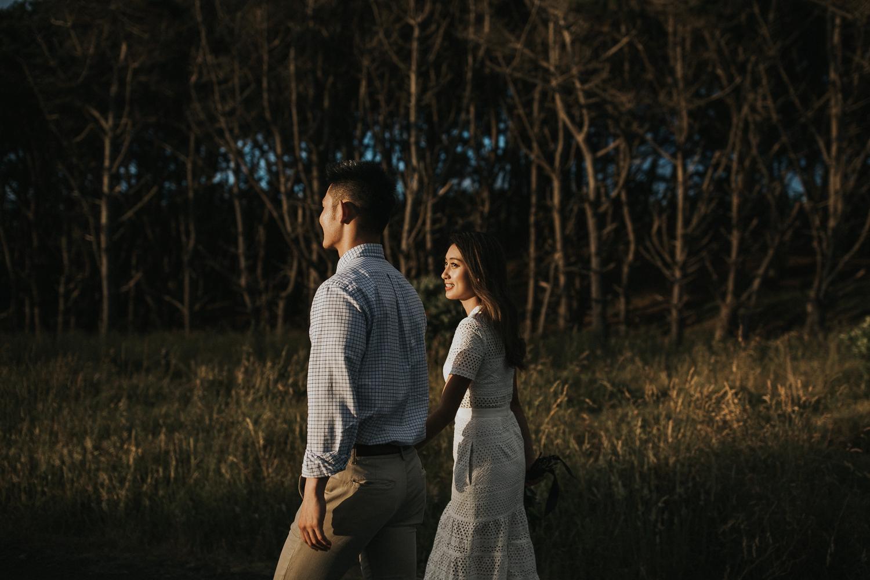 Muriwai Engagement photographer-12.jpg