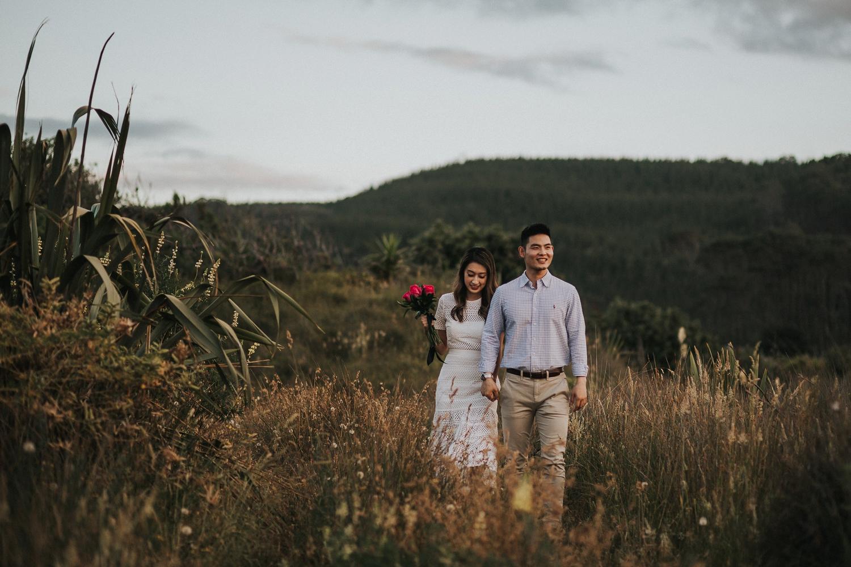 Muriwai Engagement photographer-15.jpg