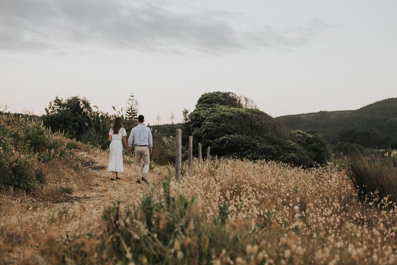 Muriwai Engagement photographer-38.jpg