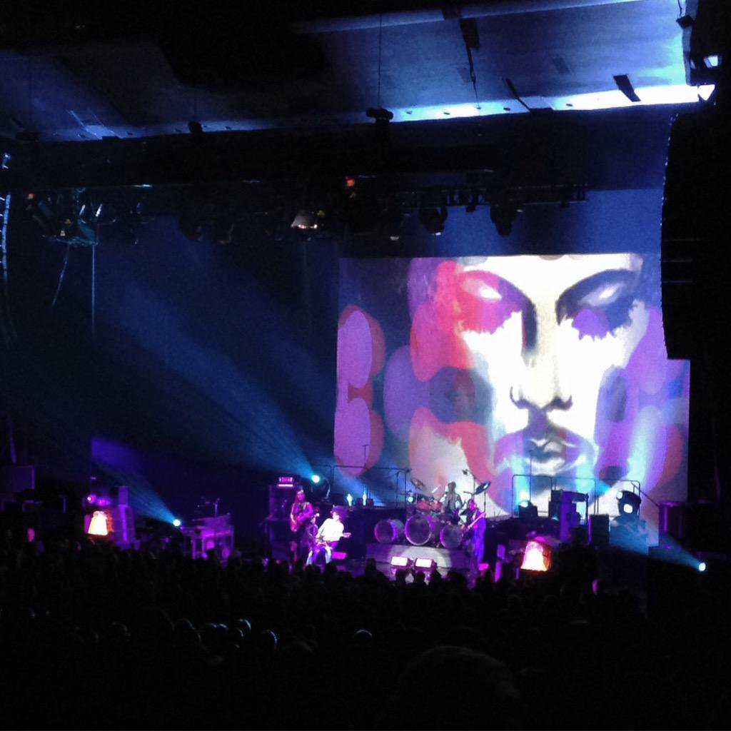 prince-blule-backdrop-toronto.jpg