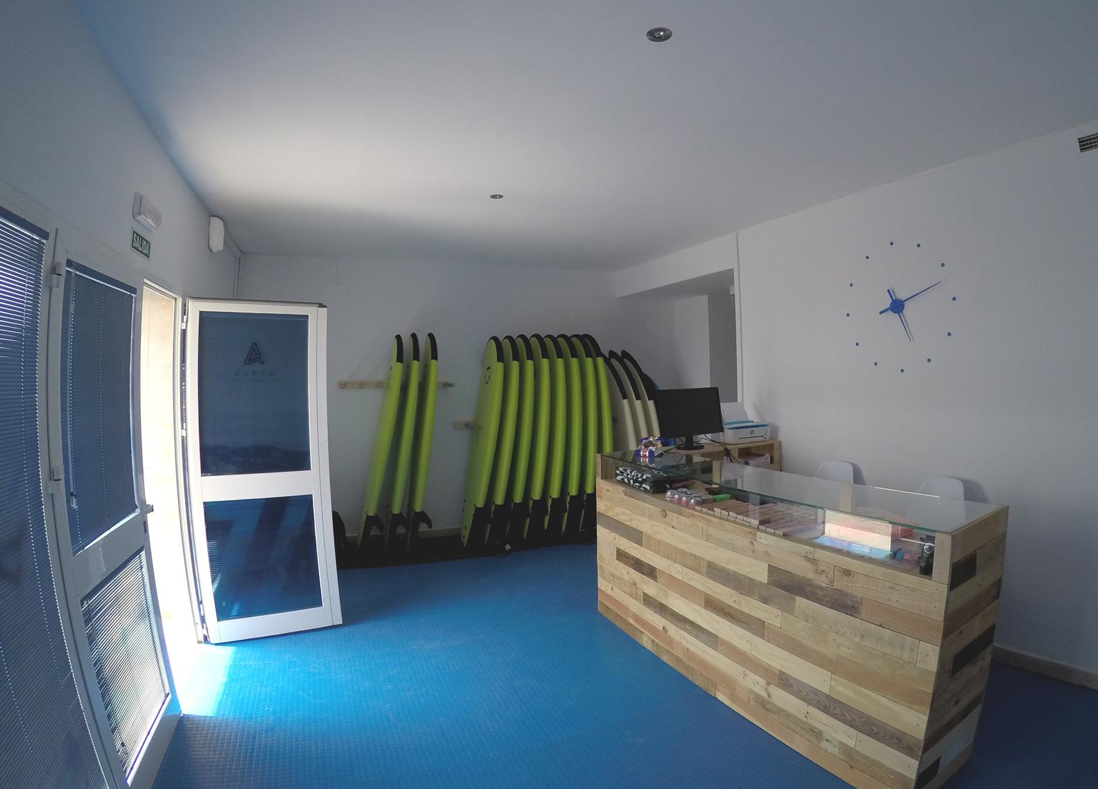 aurea.surf.cadiz.entrada.jpg