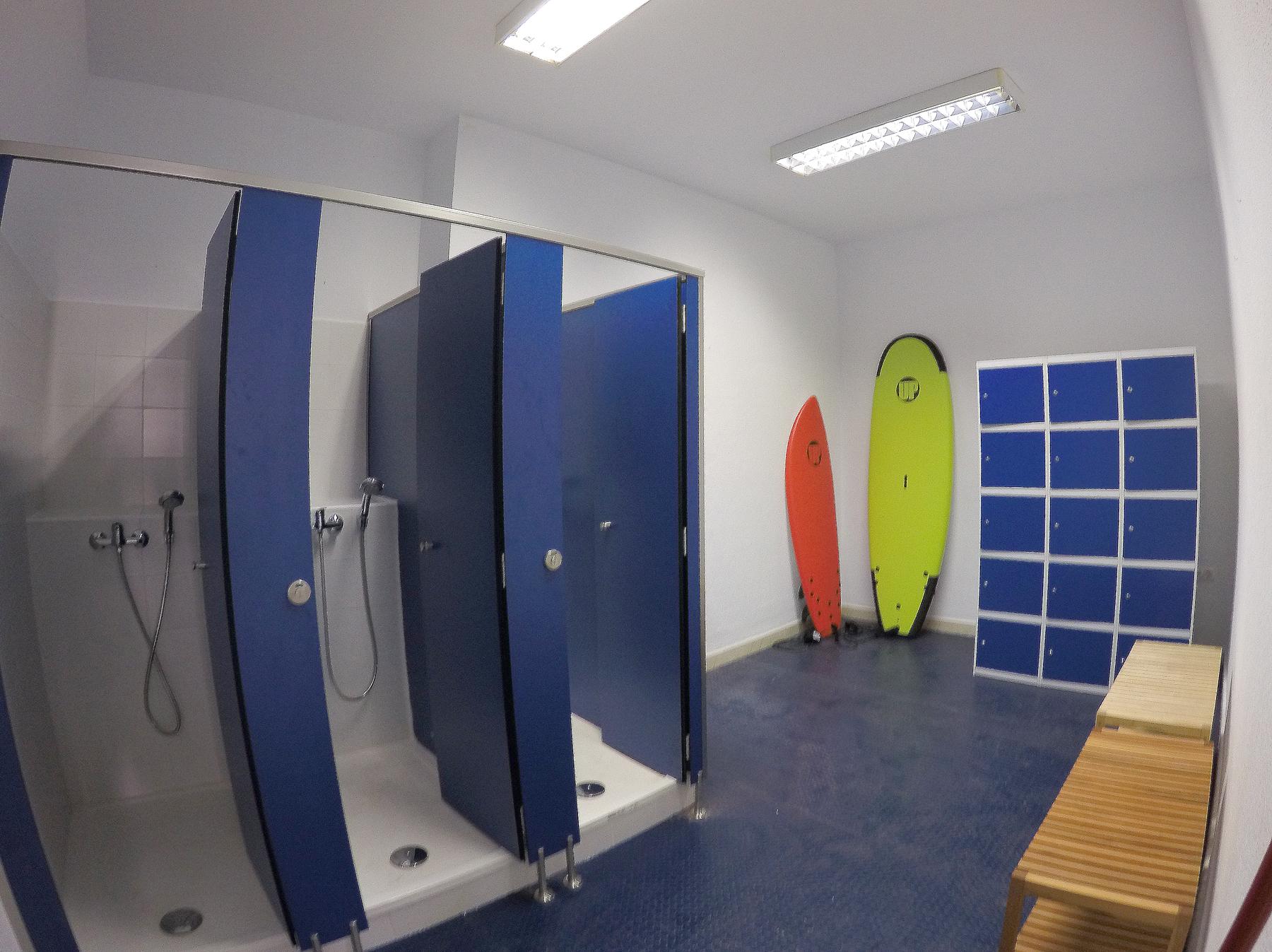 aurea-surf-cadiz-duchas.jpg