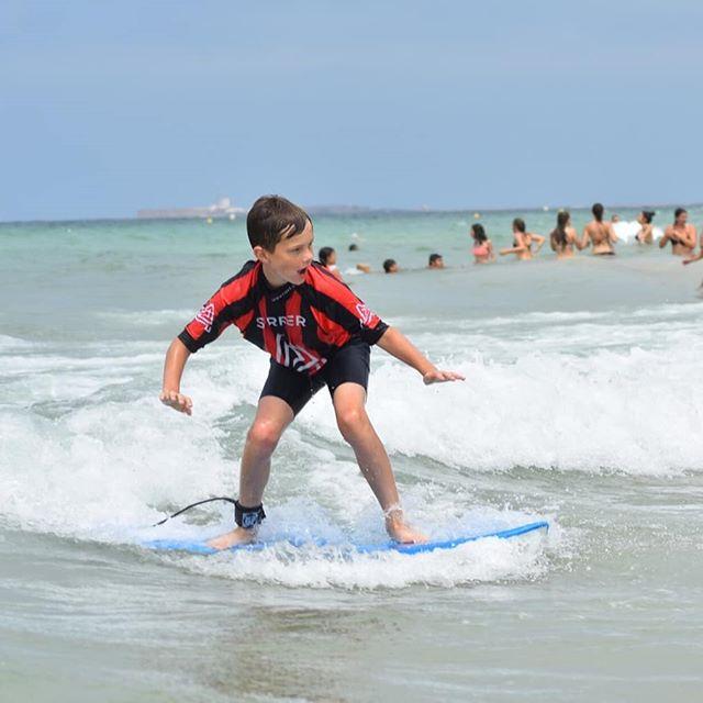 "@fricis_m Nine Years Old ""Another Dimensión"". 🙏🔝⚡ The quality Will always be more than the quantity. Surf, feel, live. 😍🏄🏼♂️🔥 📷 @gring.a  Our Info: 🖨️ Website: www.aureasurf.com Contact: 856507490 Facebook: AUREA Surf Instagram: @aureasurf  #escueladesurfencadiz #cadizsurfschool #cadiz #prodigyboy #surfer #nextlevel #andalusia #waves #aurea #style #fun #yoursurfschool #goldenschool #supercoaches"