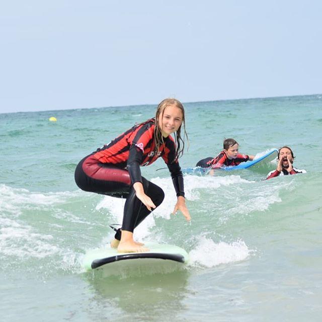 """""""We Love Girls Surfing"""". 💪💯🙈🔝🔝🔝 📷 @gring.a Surfer: 🏄🏼♂️ @kuzmicheva_valeriya_ Our Info: 🖨️ Website: www.aureasurf.com Contact: 856507490 Facebook: AUREA Surf Instagram: @aureasurf  #escueladesurfencadiz #cadizsurfschool #cadiz #south #andalusia #girlslove #fun #diferentstyle #summer #nextlevel #magicalmoments #nature #ocean #sexy #spunky #waves #lovesurfing #yoursurfschool #aurea #unforgettable"""
