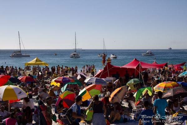 beach_umbrellas_people_120218_IMG_5803.jpg