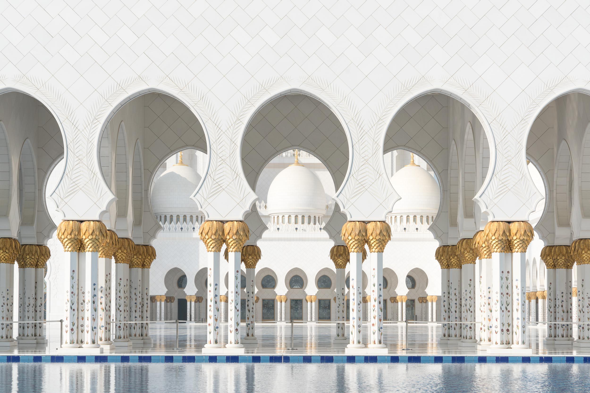 the_getaway_edit_abu_dhabi_sheikh_zayed_grand_mosque-1.jpg