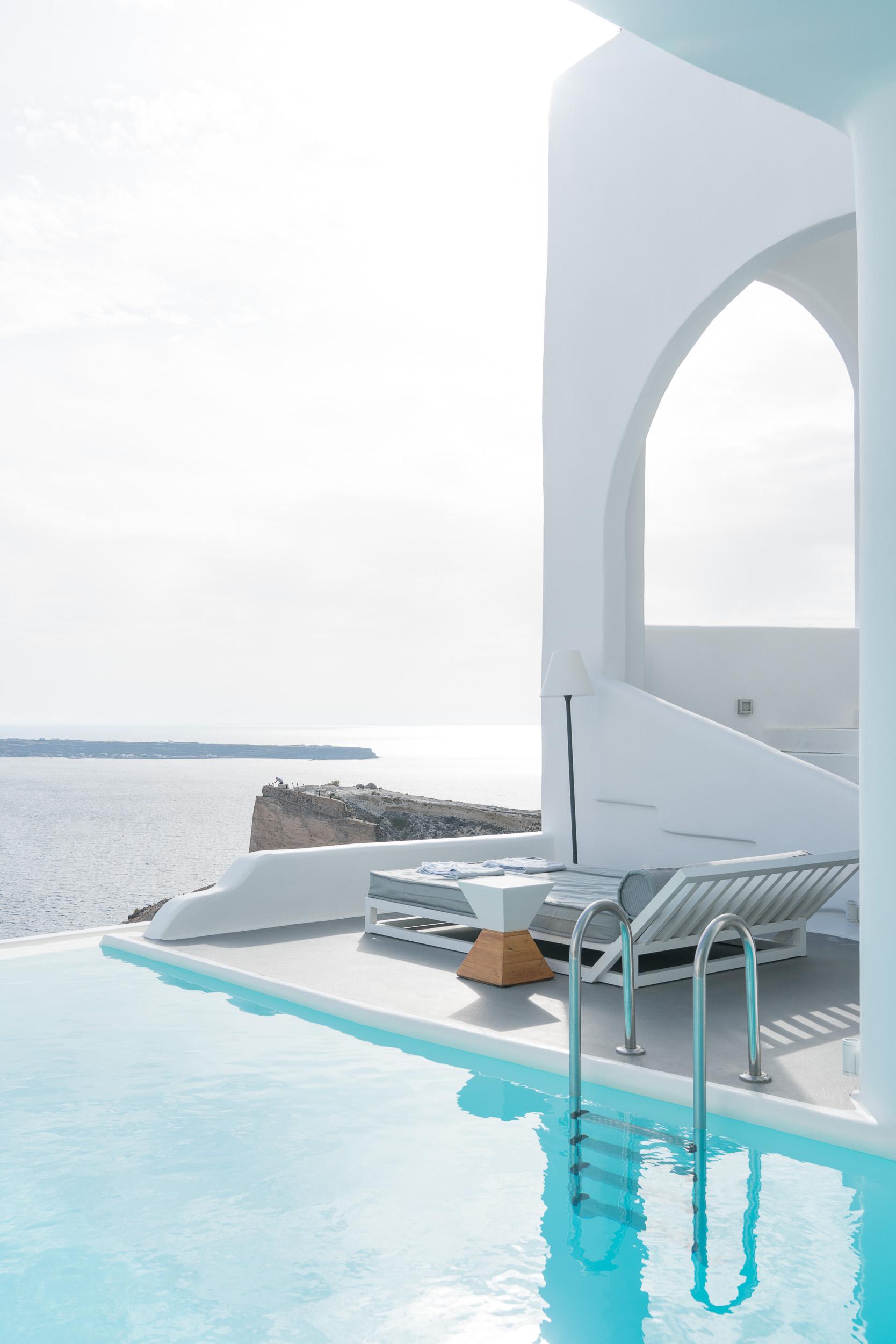 the_getaway_edit_greece_santorini_oia_charisma_suites-3.jpg