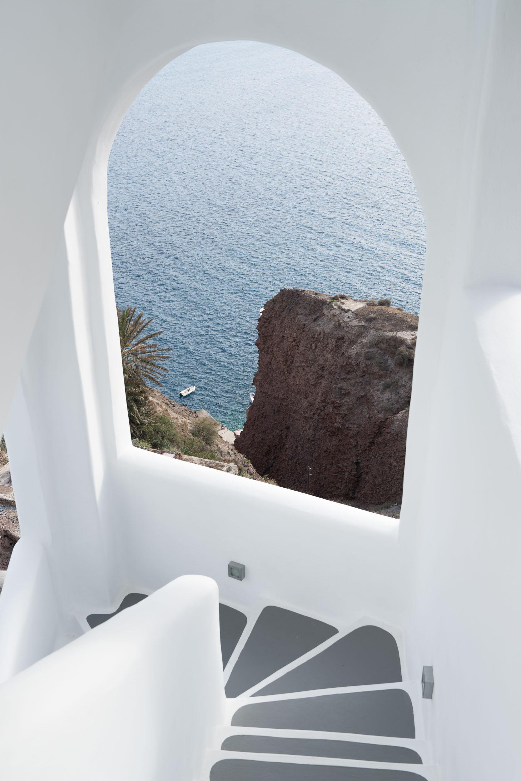 the_getaway_edit_greece_santorini_oia_charisma_suites-2.jpg