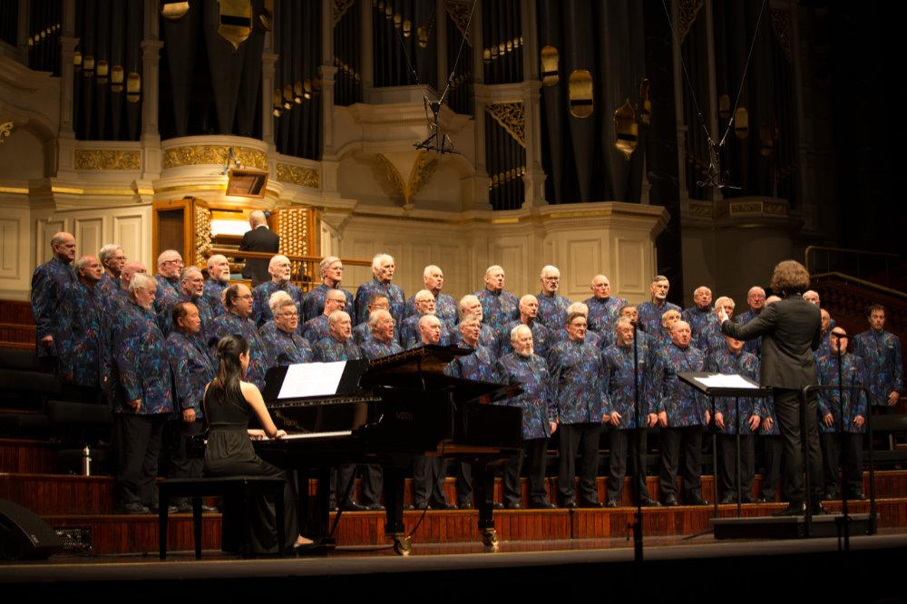 STH Choir shot1.jpg