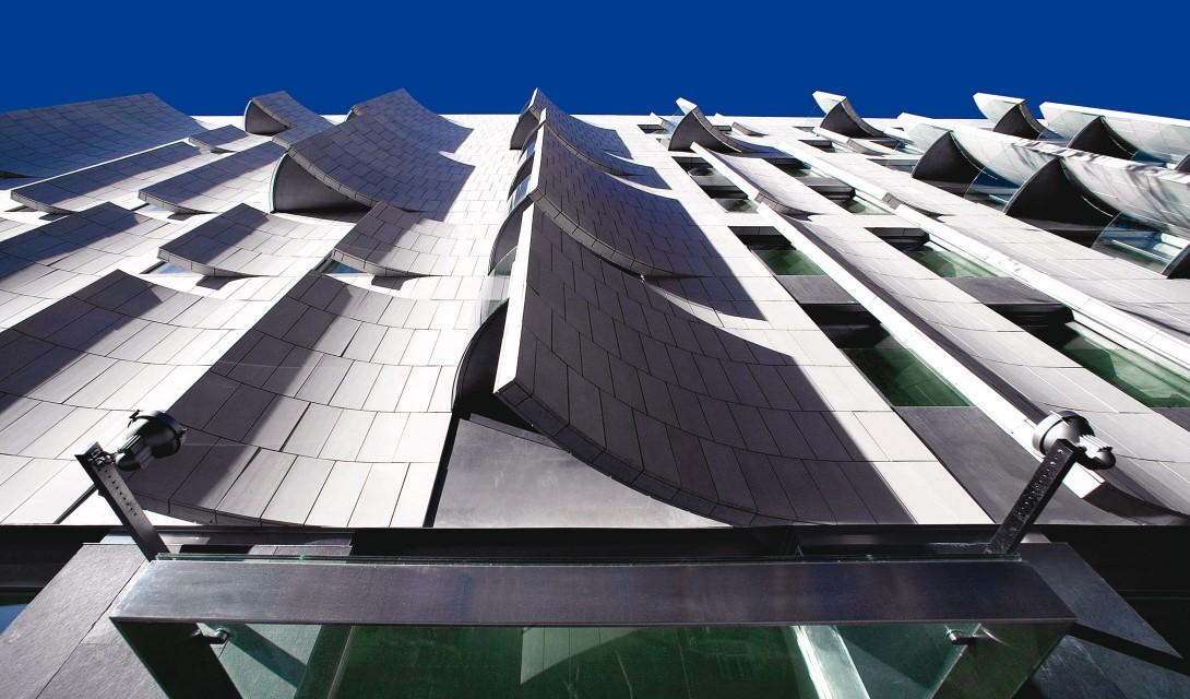 hotelomm-facade.jpg