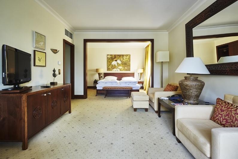 Zimmer entdecken - Alle geräumigen 45 Zimmer verfügen über einen großen Balkon bzw. Terrasse und großzügige Tageslichtbäder. Wählen Sie aus sechs verschieden Kategorien.