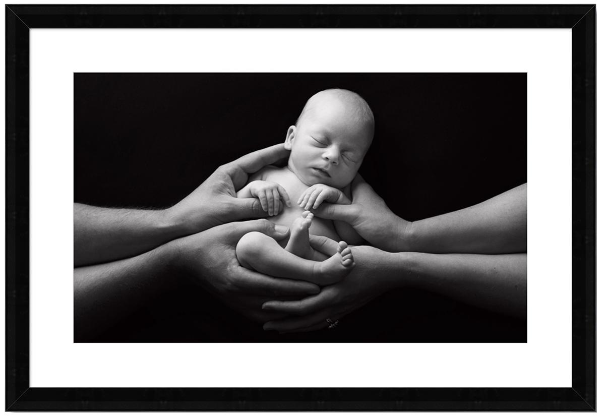 newborn framed image.jpg