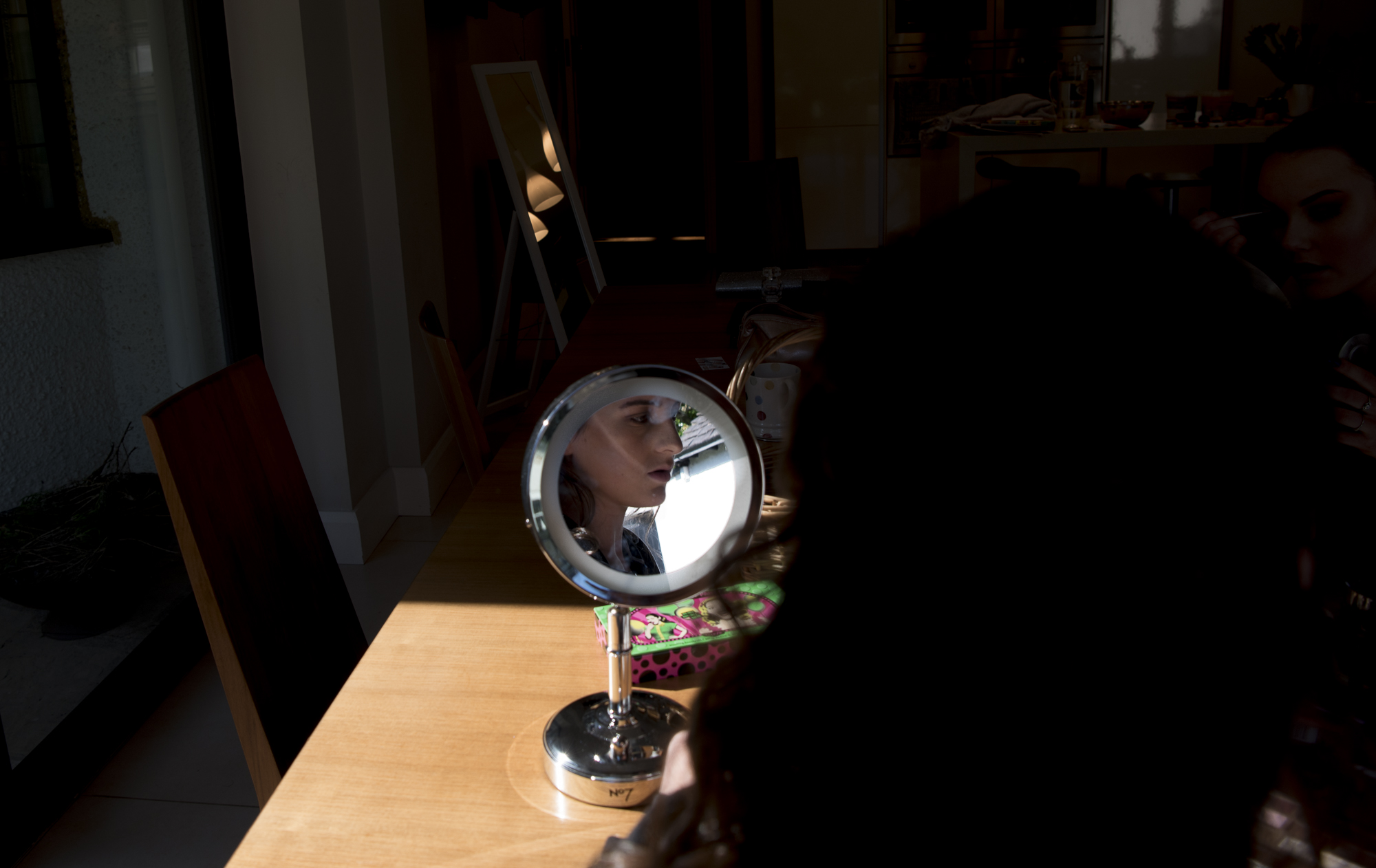 sally-hornung-photpgraphy-girl-mirror-2.jpg