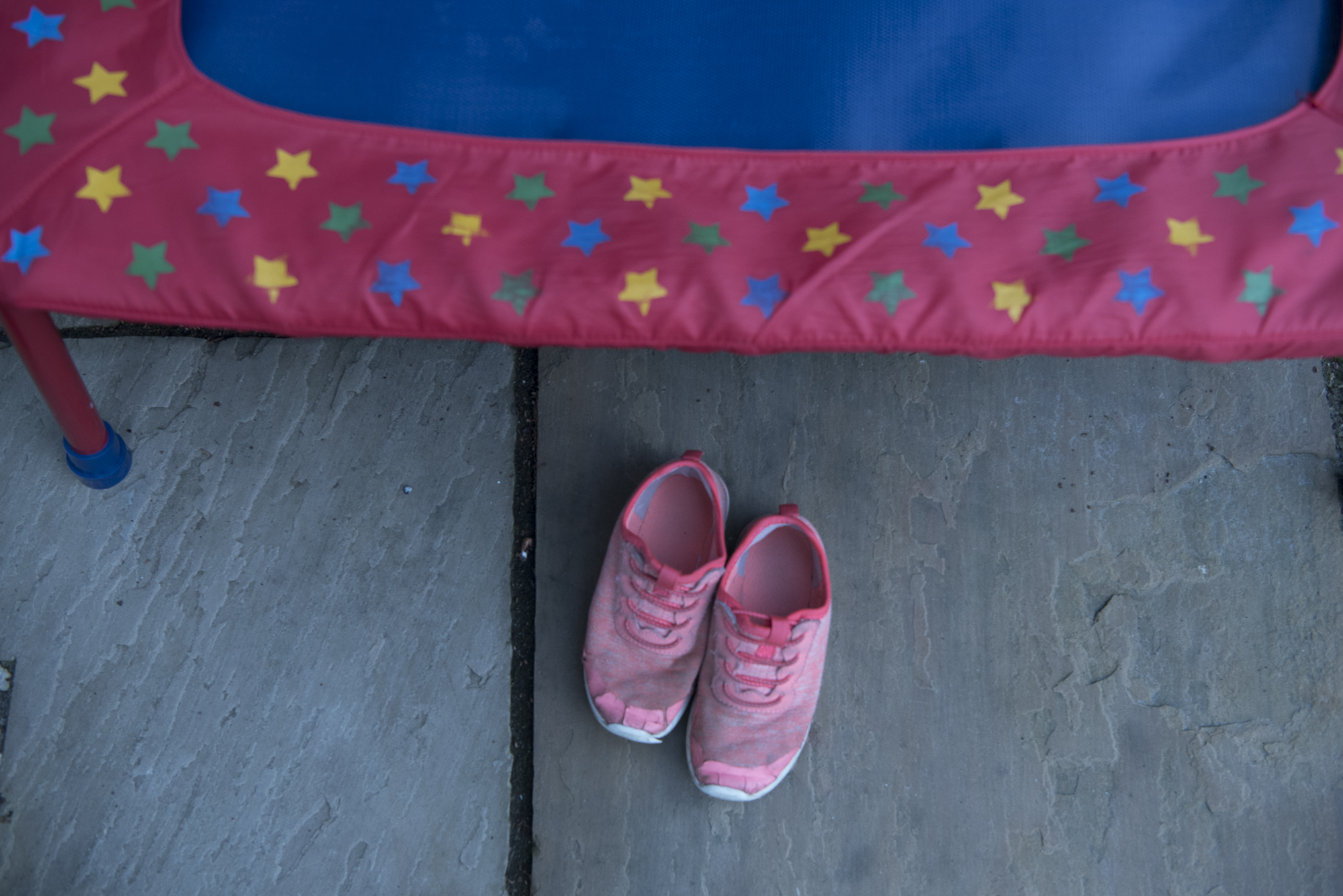 sally-hornung-photpgraphy-shoes-trampoline.jpg