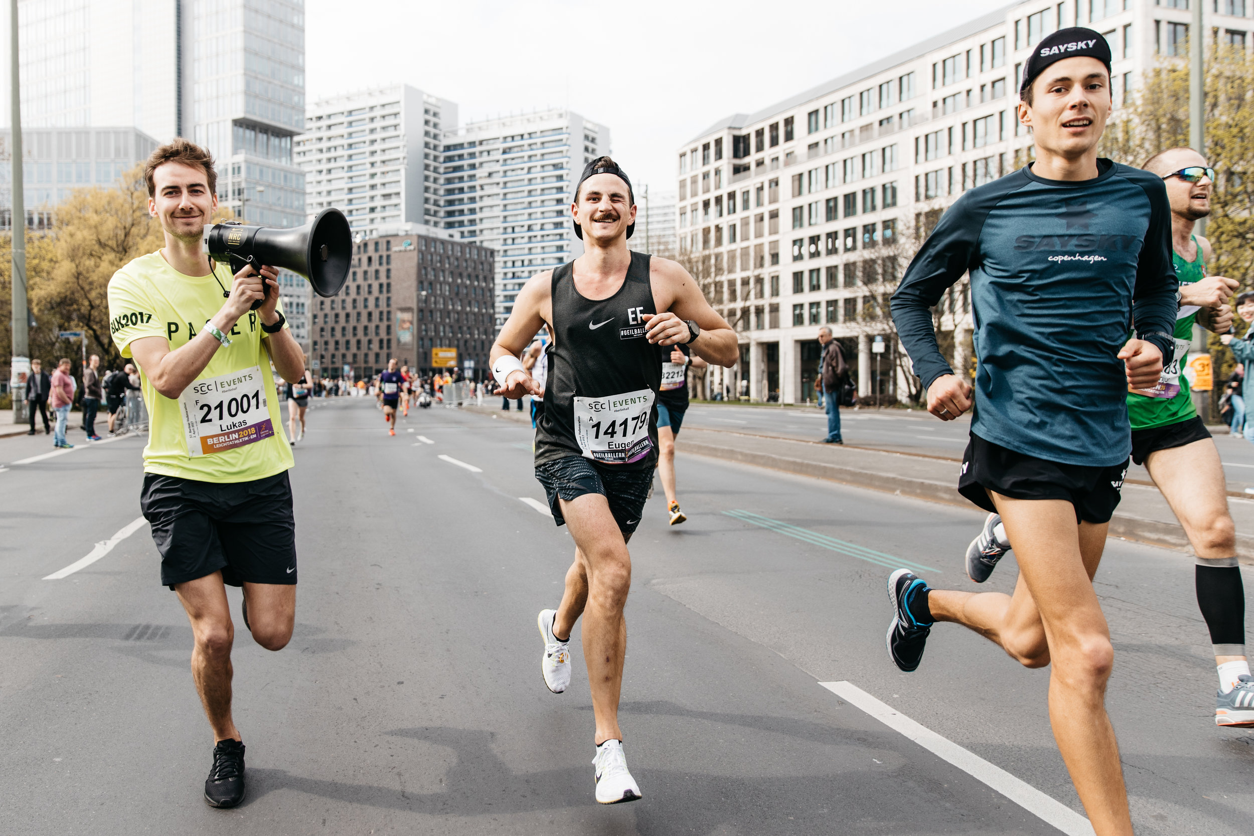 Eugen Fink, being paced by Philipp Baar