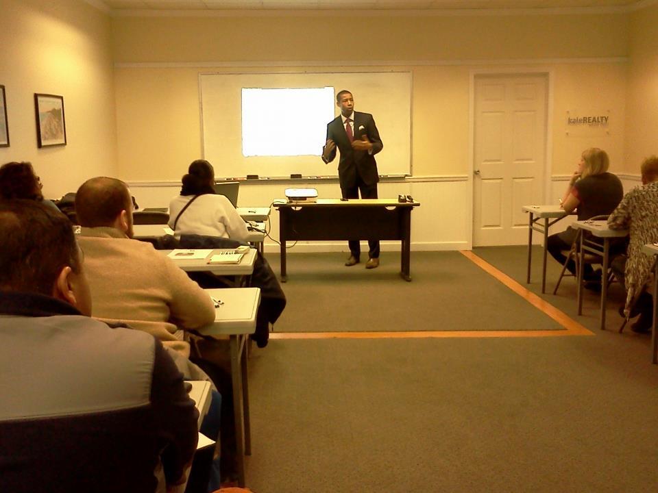 lawyer teaching realtors.jpg