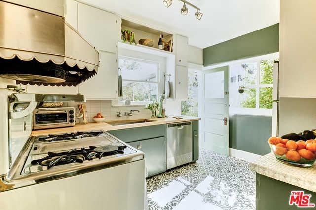 altair kitchen.jpg