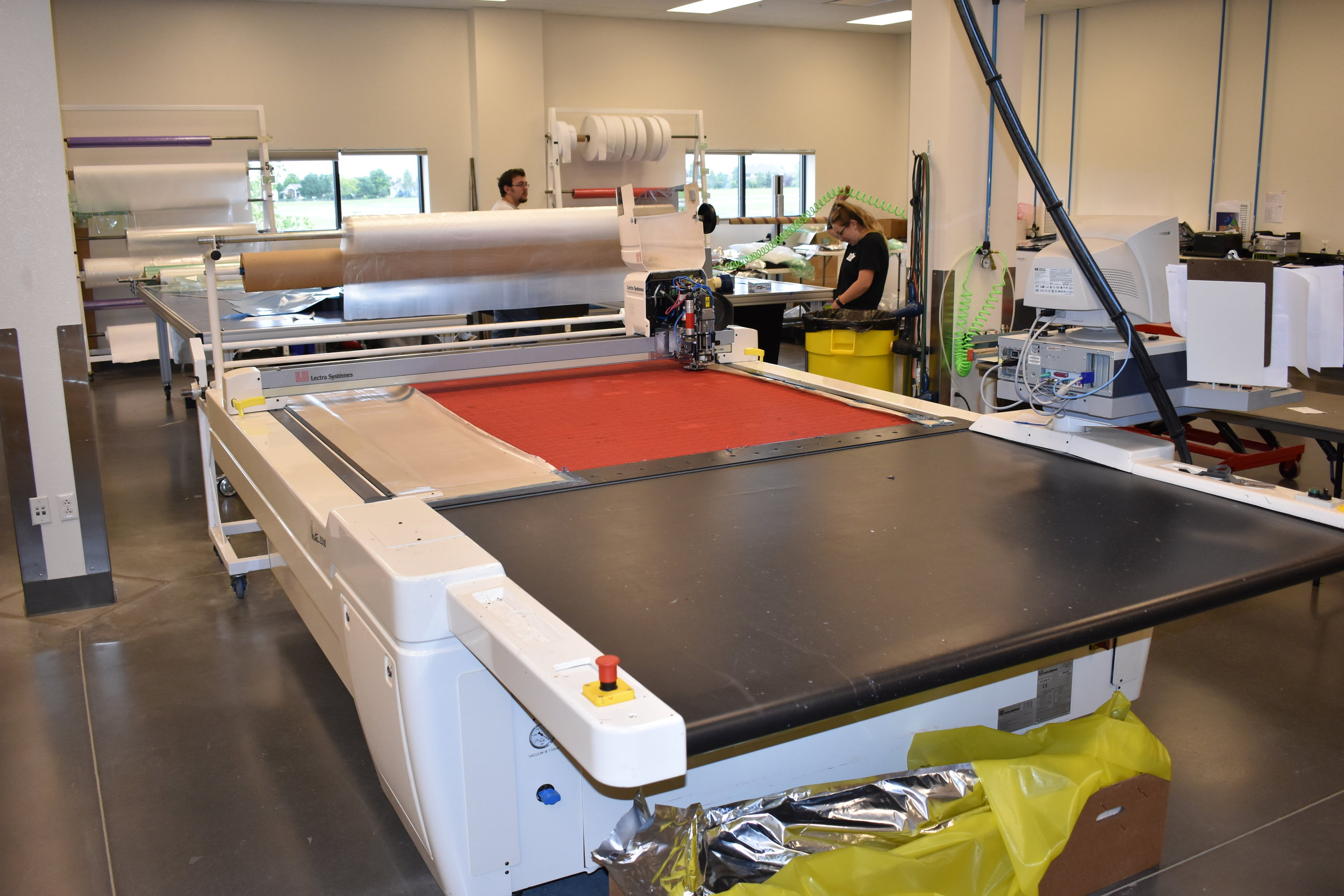 LECTRA   VECTOR 2500 - CNC cutting machine used for cutting prepreg composites for accurate layup of parts.