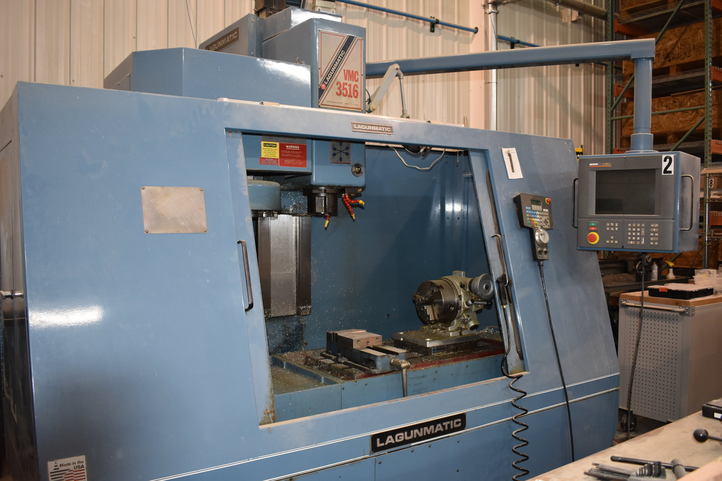 LAGUNAMATIC VMC3516 - Vertical CNC mill used in the production of metal components.