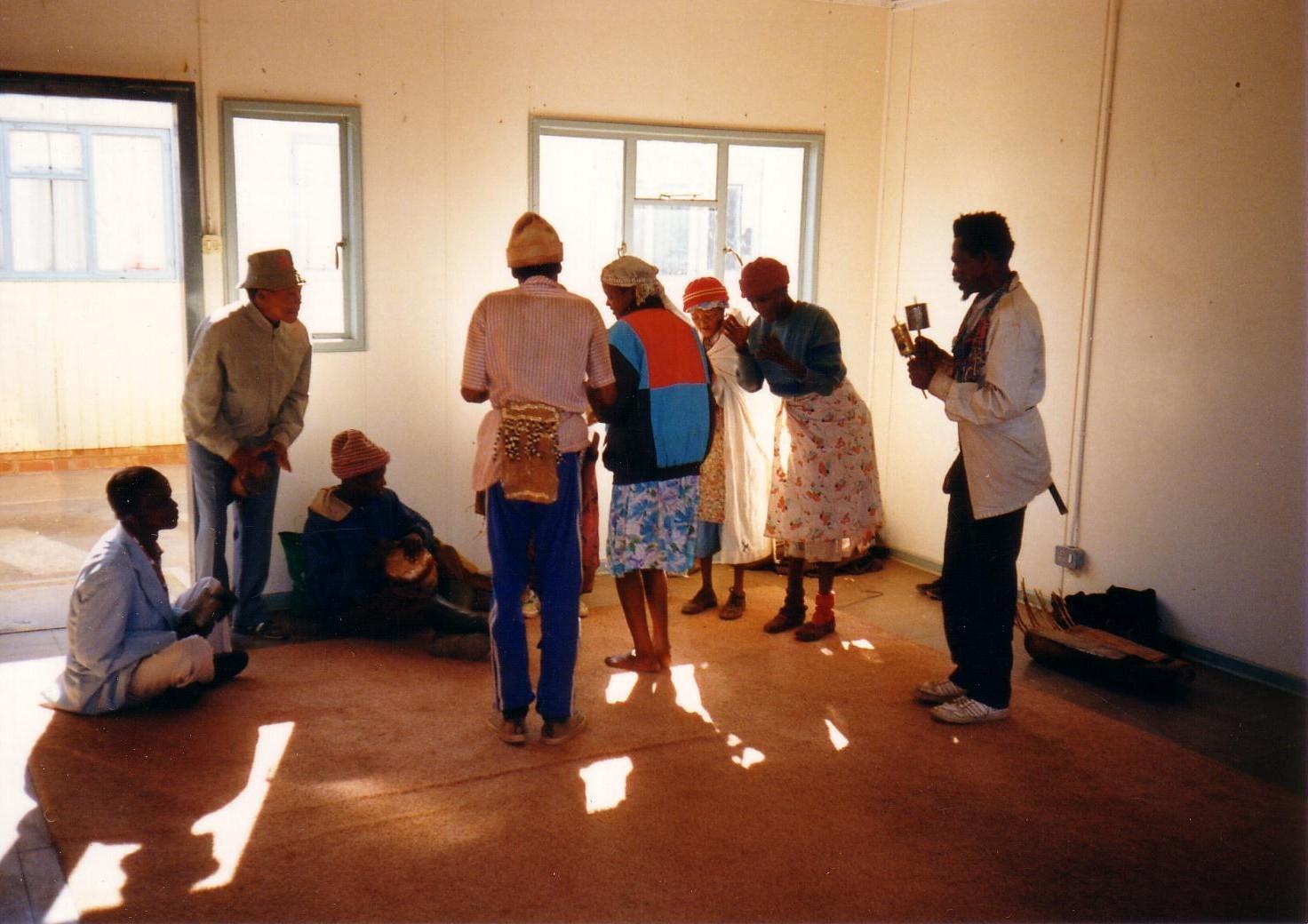 !Xuu and Khwe Bushman, Kalahari