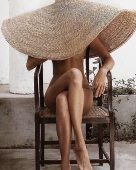 So. Hot. . . . #summerinthecity #notcomplaining #heatwave #clothingoptional #rebelsinthesix #rebelswithacause #cleanbeauty #gobare #natural #purebeauty #instagood #lovetheskinyourein #notjustskindeep #goodforyou #ditchthejunk