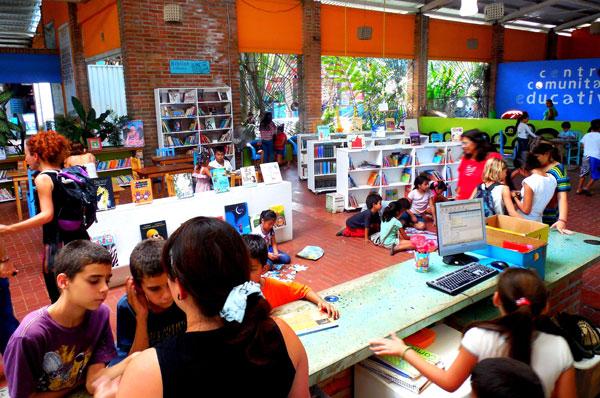 Library-biblioteca.jpg