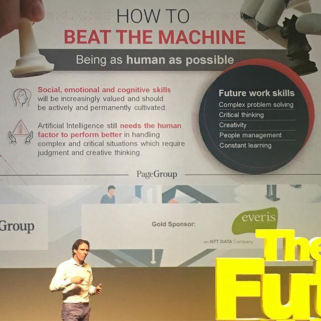 No evento de hoje - The Future of Work - promovido pelo MIT Alumni falou-se bastante das mudanças que já estão acontecendo relacionadas ao trabalho.  A Inteligência Artificial, robôs e máquinas substituindo pessoas são uma realidade sem volta.  Porém, aqueles trabalhos que requerem empatia e entendimento emocional, não conseguem ser substituídos por máquinas.  Teremos que mudar sim nossa forma de trabalho (como trabalhamos) e nossa expectativa com relação ao trabalho.  E as competências cognitiva e sócio-emocionais fundamentas que teremos que desenvolver são: ✔️Resolução de problemas complexos ✔️Pensamento crítico ✔️Criatividade ✔️Gestão de pessoas ✔️Capacidade de aprendizado constante  O quanto você está preparado e o que tem feito para se desenvolver?
