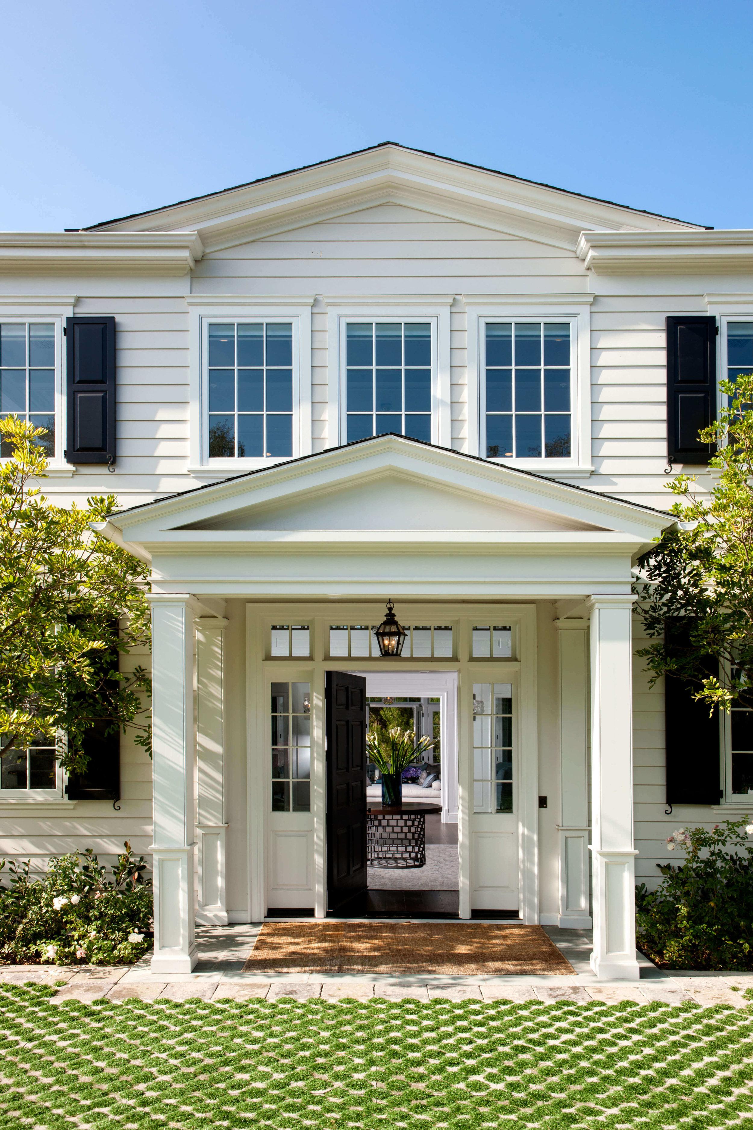 elizabeth-tapper-interiors-brentwood-front-door.jpg