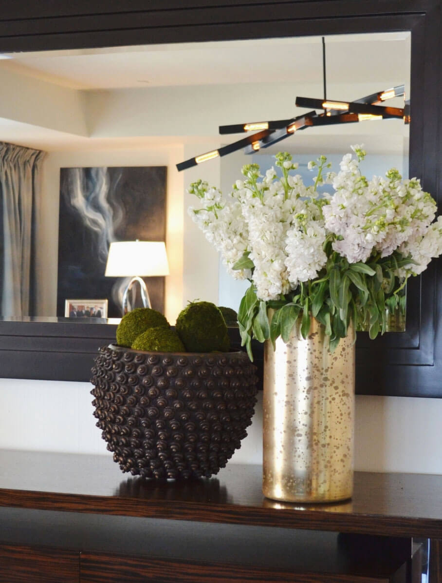 elizabeth-tapper-interiors-console-top-styled.jpg