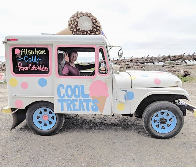 🍦Quit my job to follow my passions: ice cream and cute Jeeps painted in pastel colors!! Just kidding, but a girl can wish. Side note: I totally jumped in a stranger's ice cream truck for this picture - I'm the definition of safety...