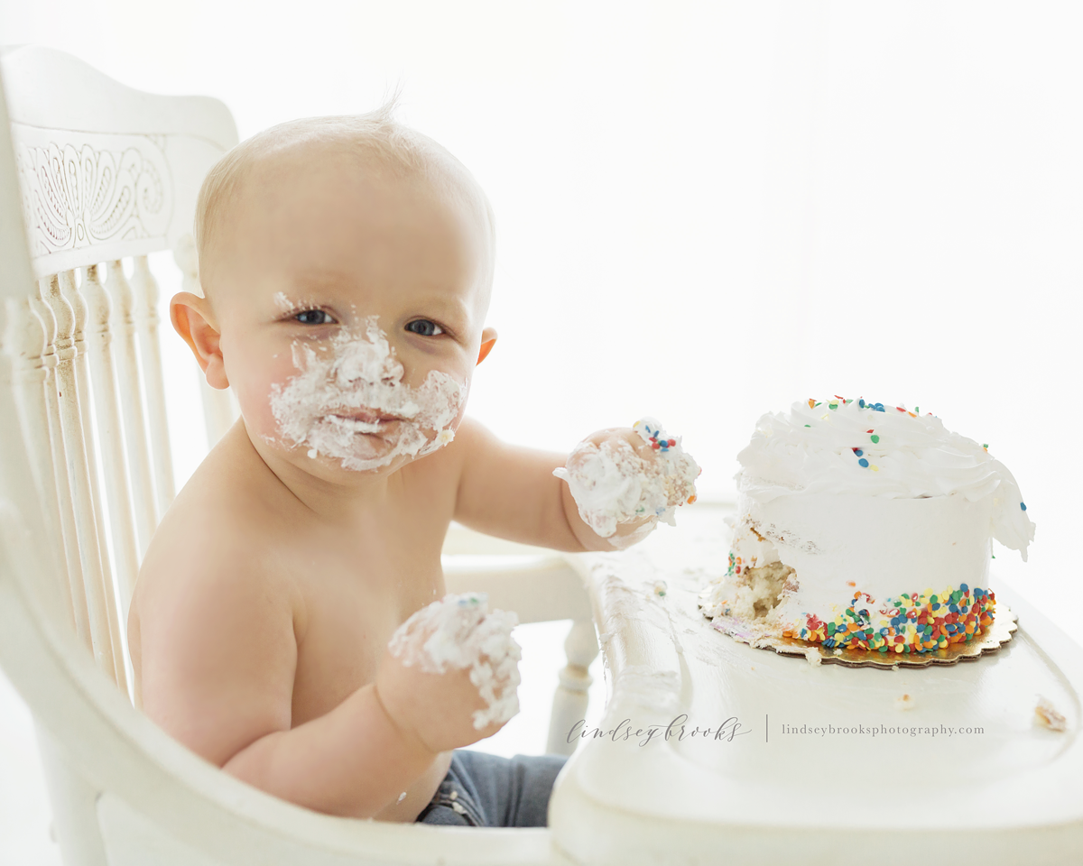 one-year-boy-cake-smash-okc-baby-photographer.png