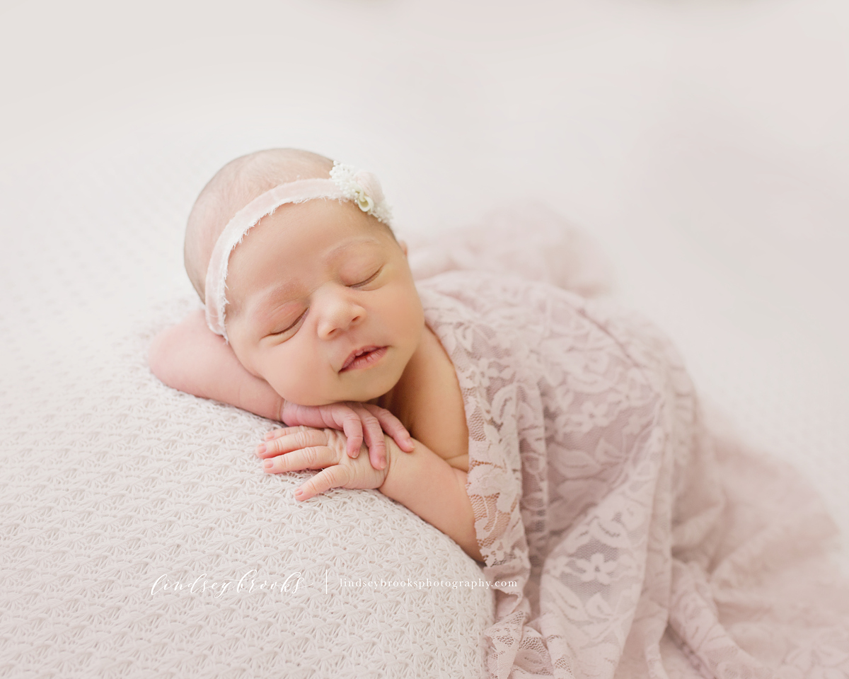 newborn-photographer-okc-baby-girl.png