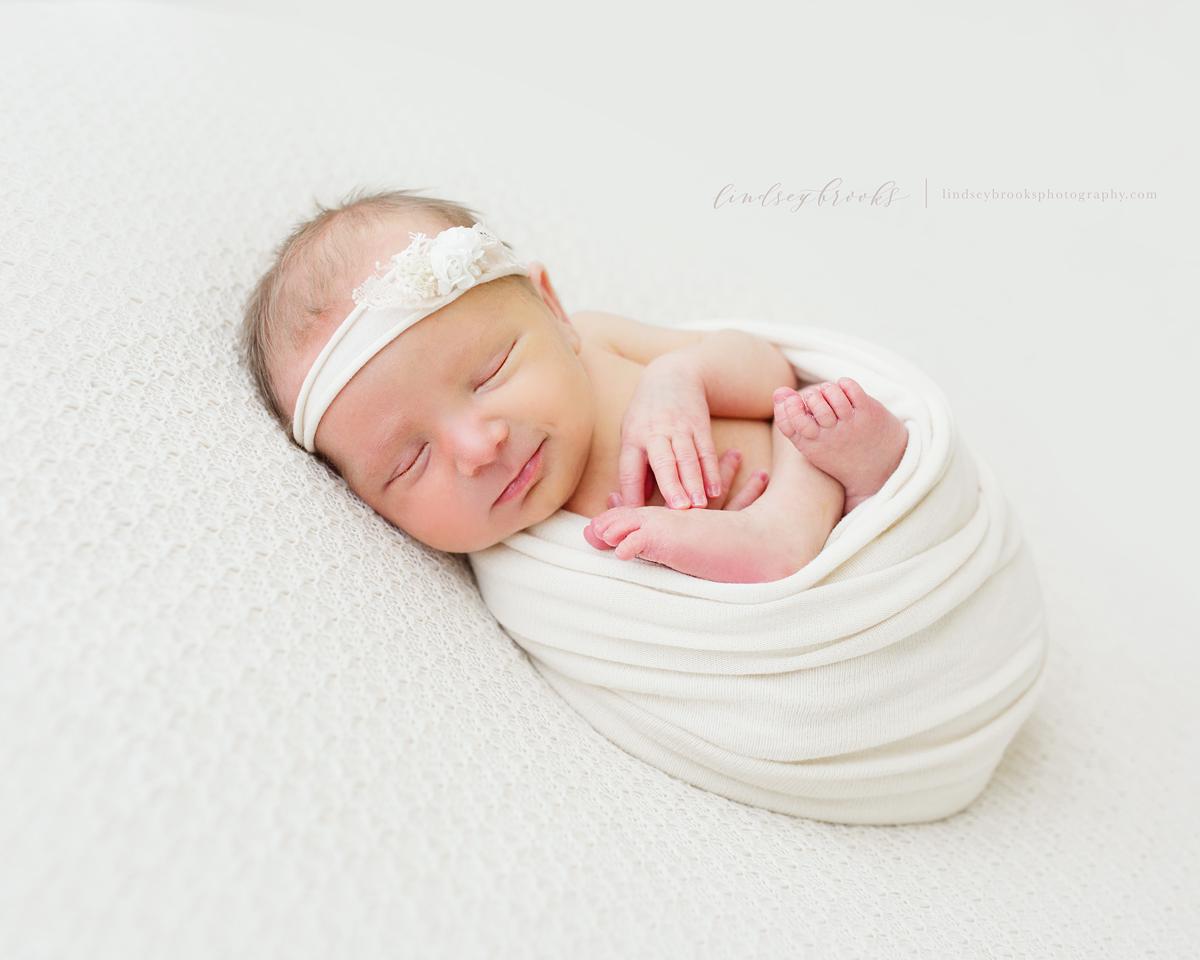 newborn-photographer-oklahoma-city-baby-girl.png