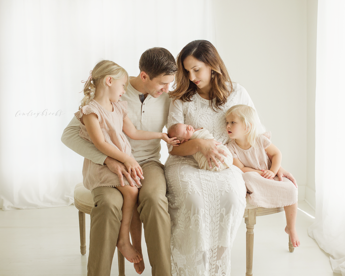 okc_newborn_baby_photographer_family.png