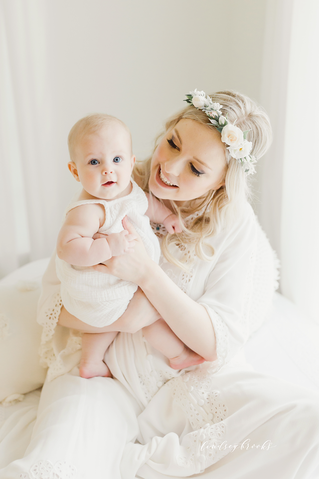 oklahoma_city_okc_mommy_and_me_motherhood_photographer_baby_child_flower_crown_halo_six_months_organic_simple_photos_6.png