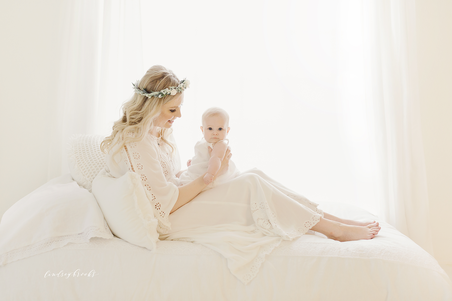 oklahoma_city_okc_mommy_and_me_motherhood_photographer_baby_child_flower_crown_halo_six_months_organic_simple_photos_8.png